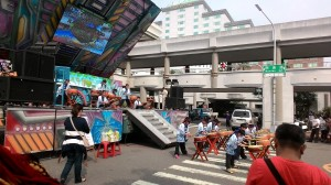 Sân khấu chính của hội chợ
